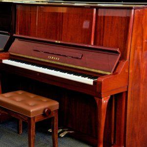 Yamaha W106 Used Piano